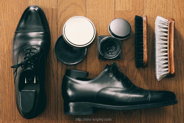 革靴と靴磨きのセット