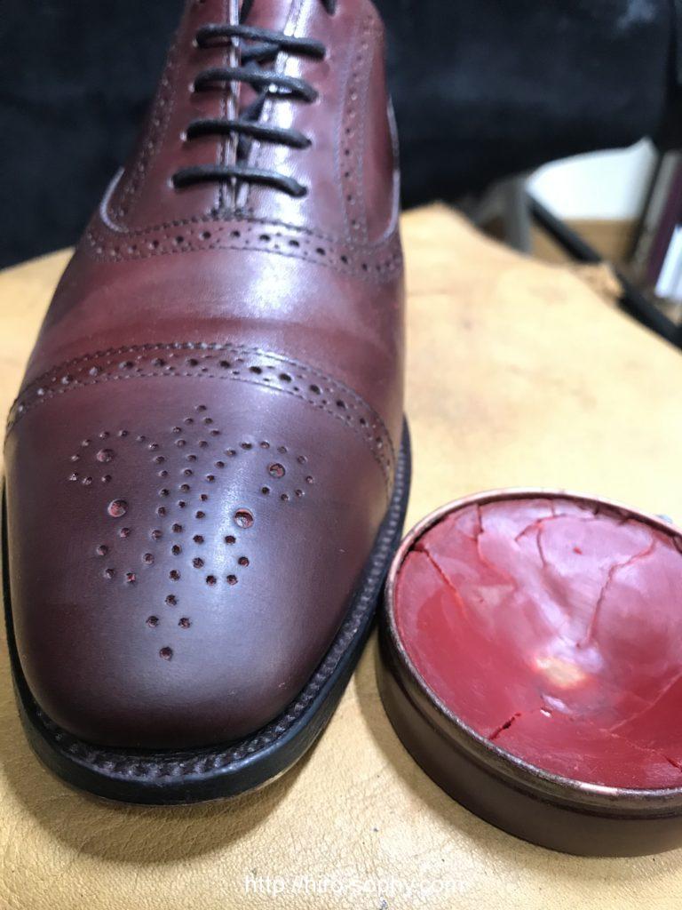 革靴と油性ワックス