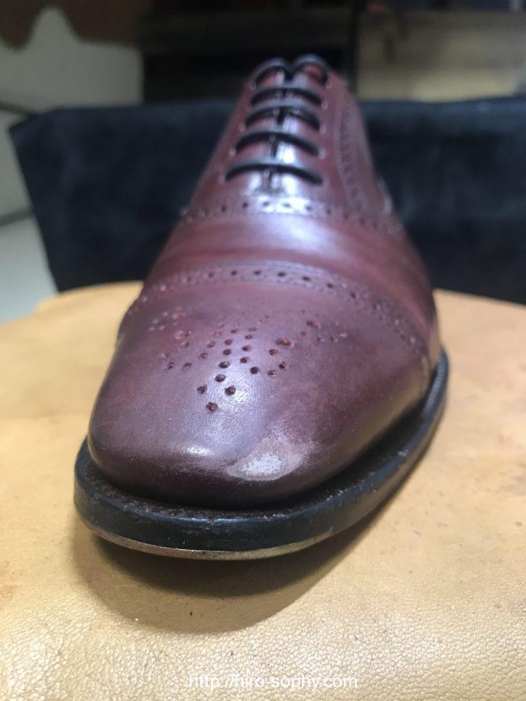 サンドペーパーで削った革靴