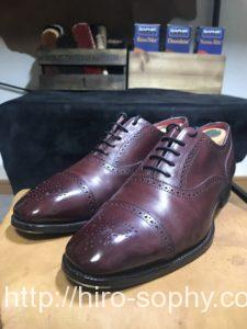 アルフレドサージェントのバーガンディの革靴