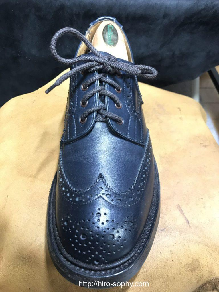 アンダーラップ で通した革靴
