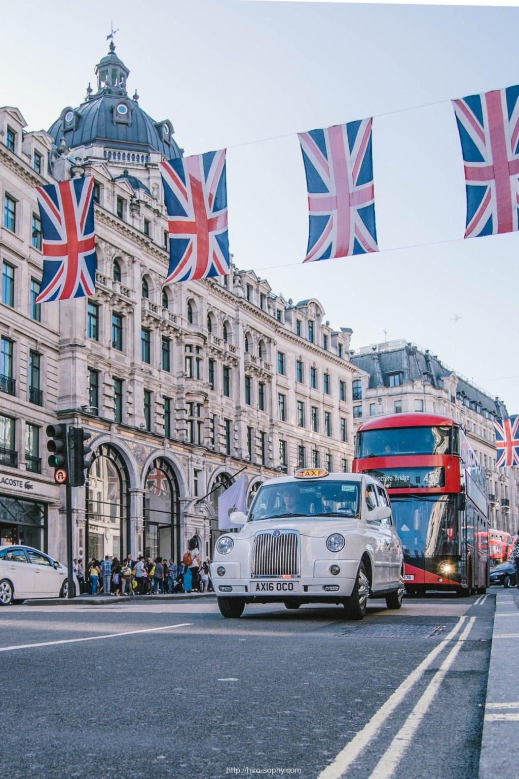 イギリス国旗とバス
