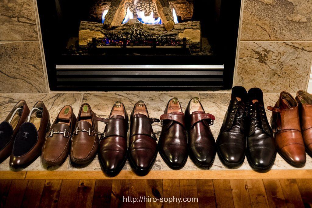 6足の並べられた革靴