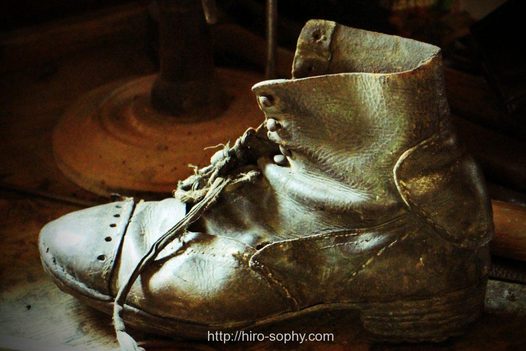 アンティークの革靴