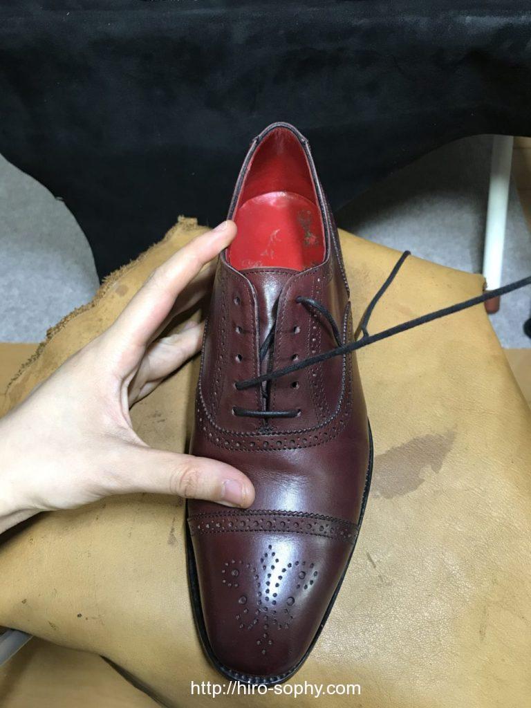 シングルで通し始めた革靴