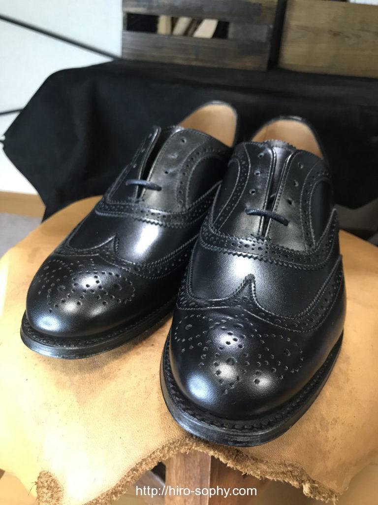 ジョセフチーニーの新品の黒の革靴