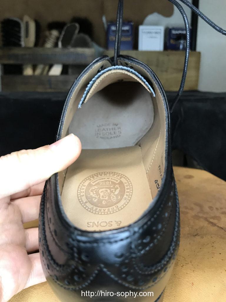 CHEANEYの靴の中