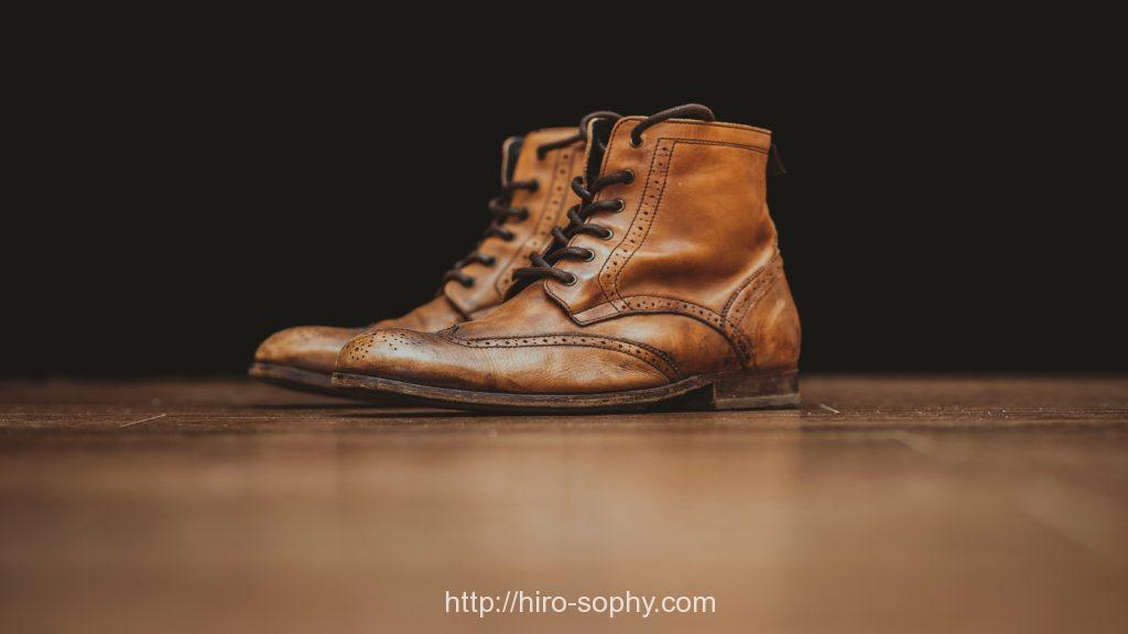 味の出たライトブラウンのブーツ