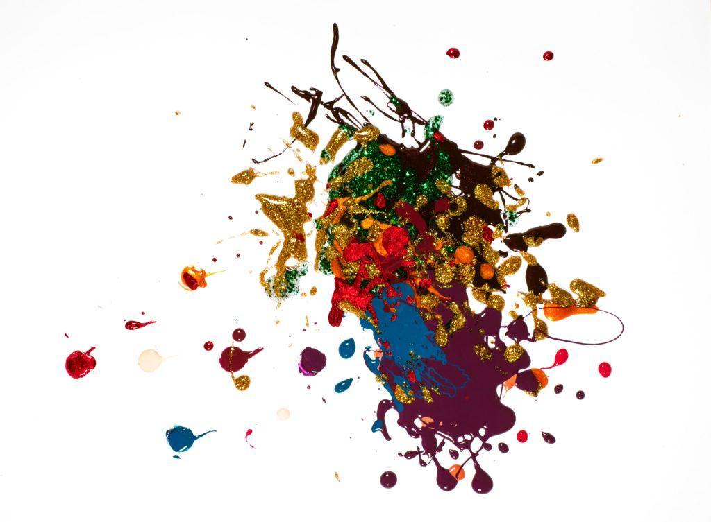絵の具を撒き散らした画像